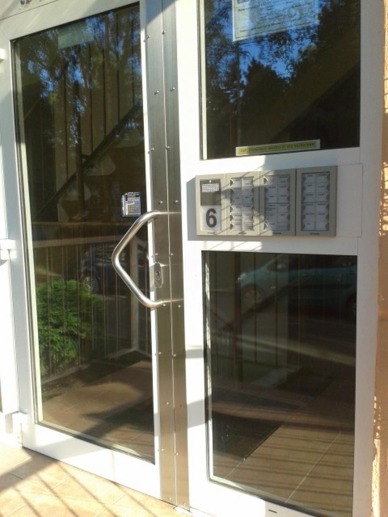 Hliníkové dveře antivandal 5mm